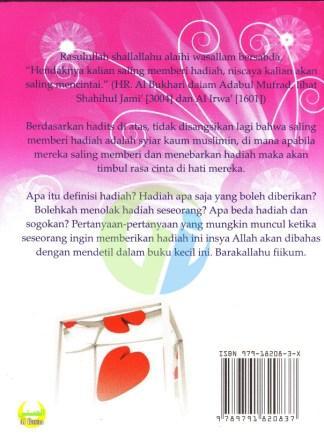 Sinopsis Buku Menebar Cinta Dengan Hadiah (Hukum Hadiah Dalam Islam)